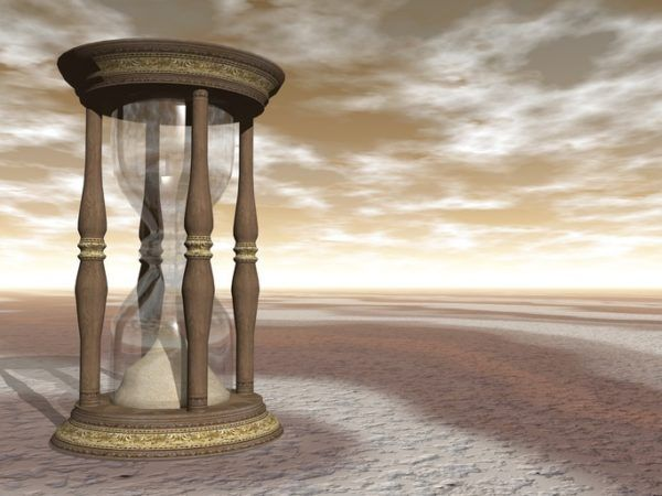 Cómo hacer un reloj de arena con copas