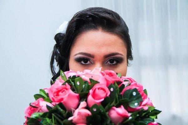 como-hacer-un-ramo-de-novia-novia-rosas-rosas