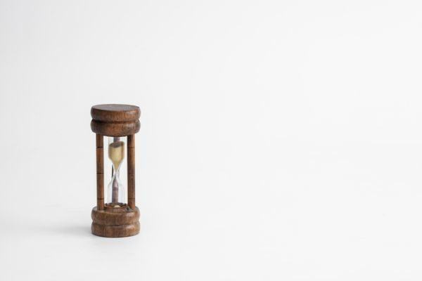 como-hacer-un-reloj-de-arena-reloj-de-arena-madera