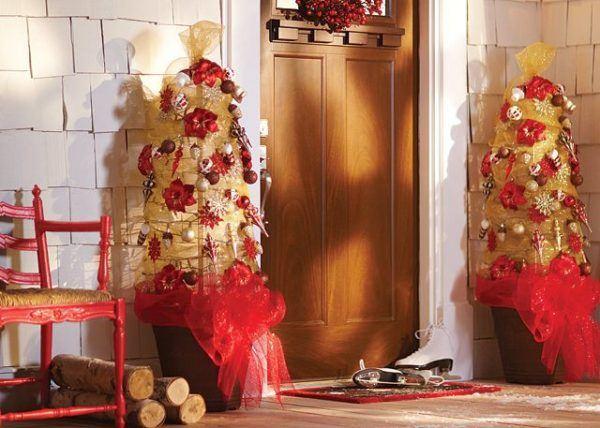 Arbol de Navidad con jaula de tomate