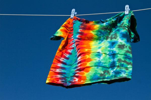 Como hacer una camiseta tie dye