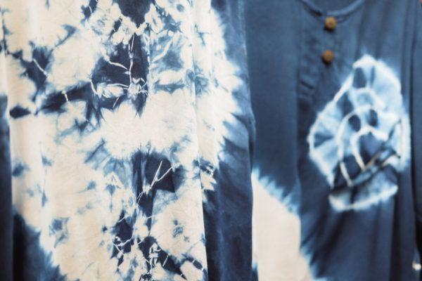 Como hacer una camiseta tie dye 1